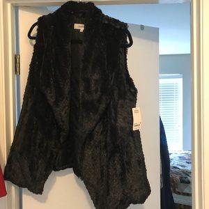 Wildflower Black Faux Fur Vest - size medium
